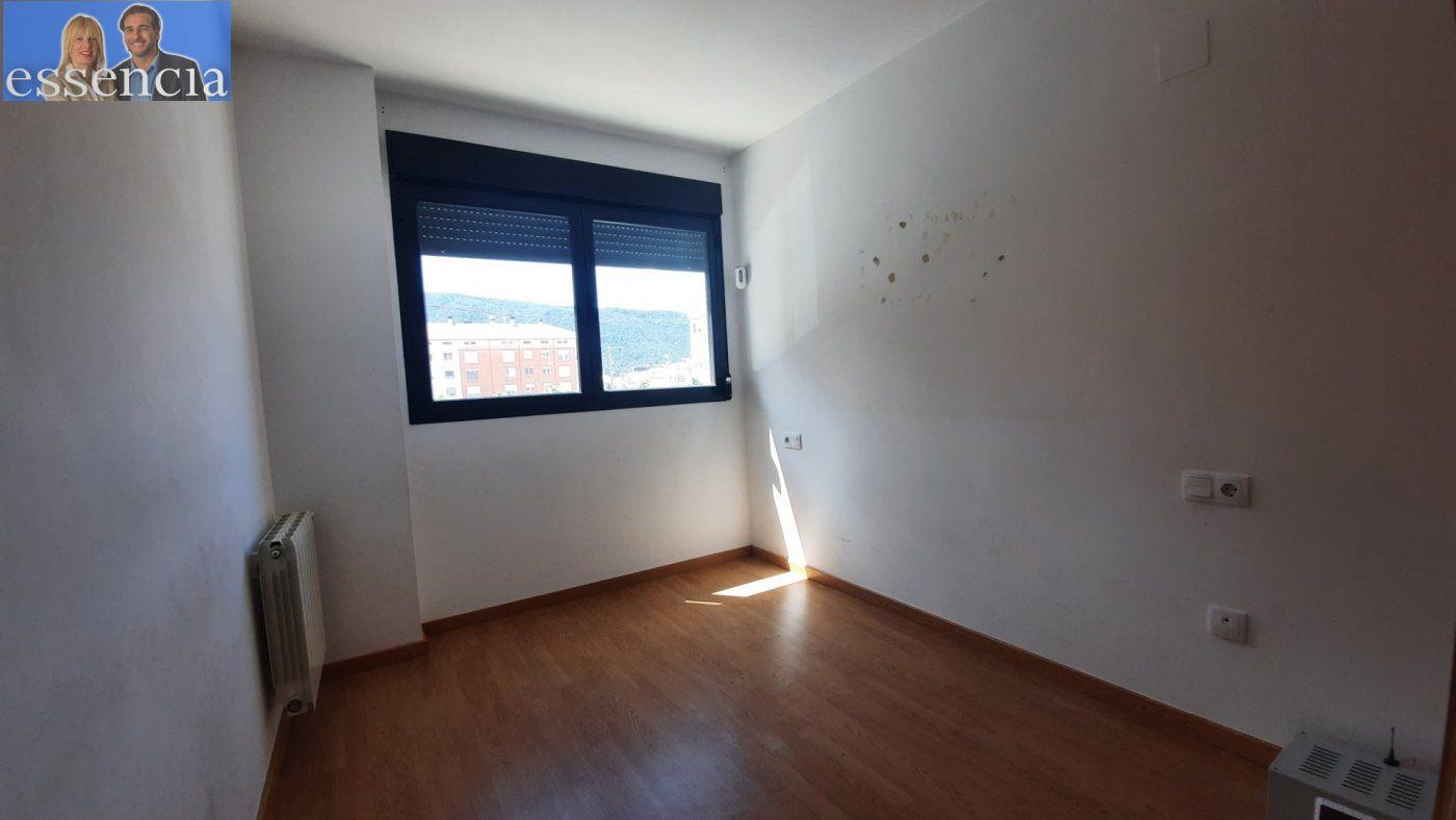 Vivienda de 3 dormitorios y dos baños con garaje , trastero y patio. - imagenInmueble14