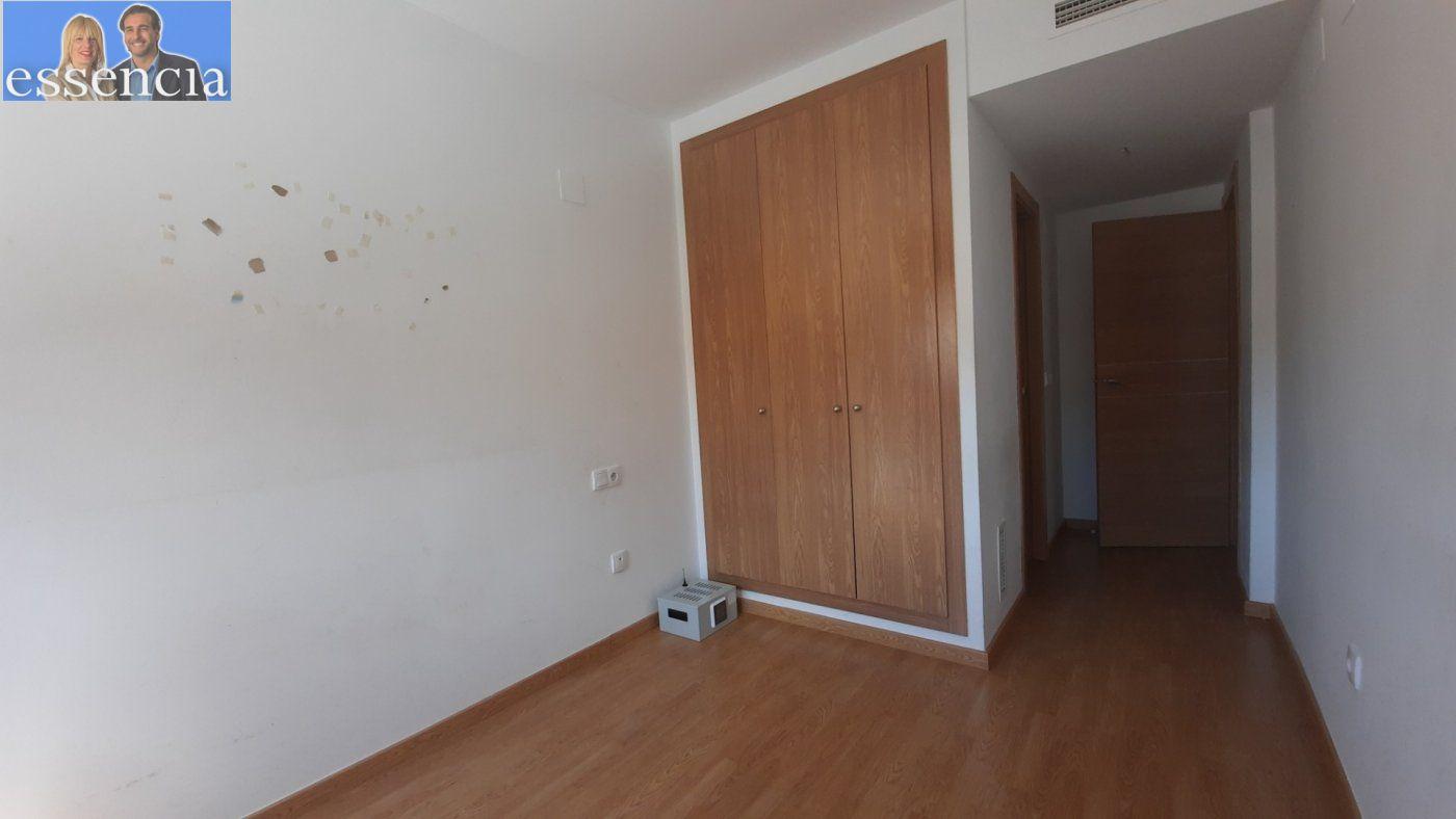 Vivienda de 3 dormitorios y dos baños con garaje , trastero y patio. - imagenInmueble15