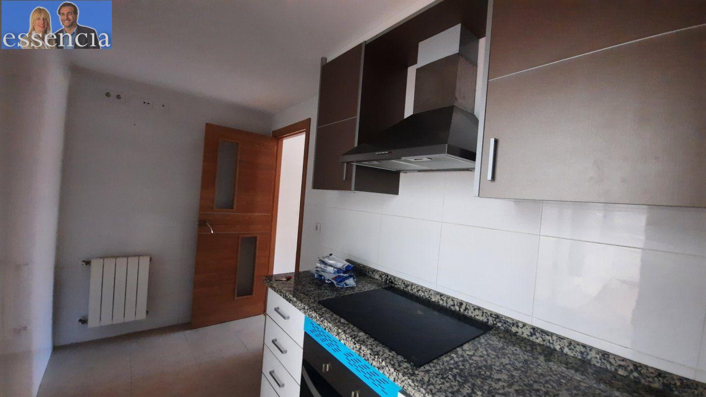 Vivienda de 3 dormitorios y dos baños con garaje , trastero y patio. - imagenInmueble6