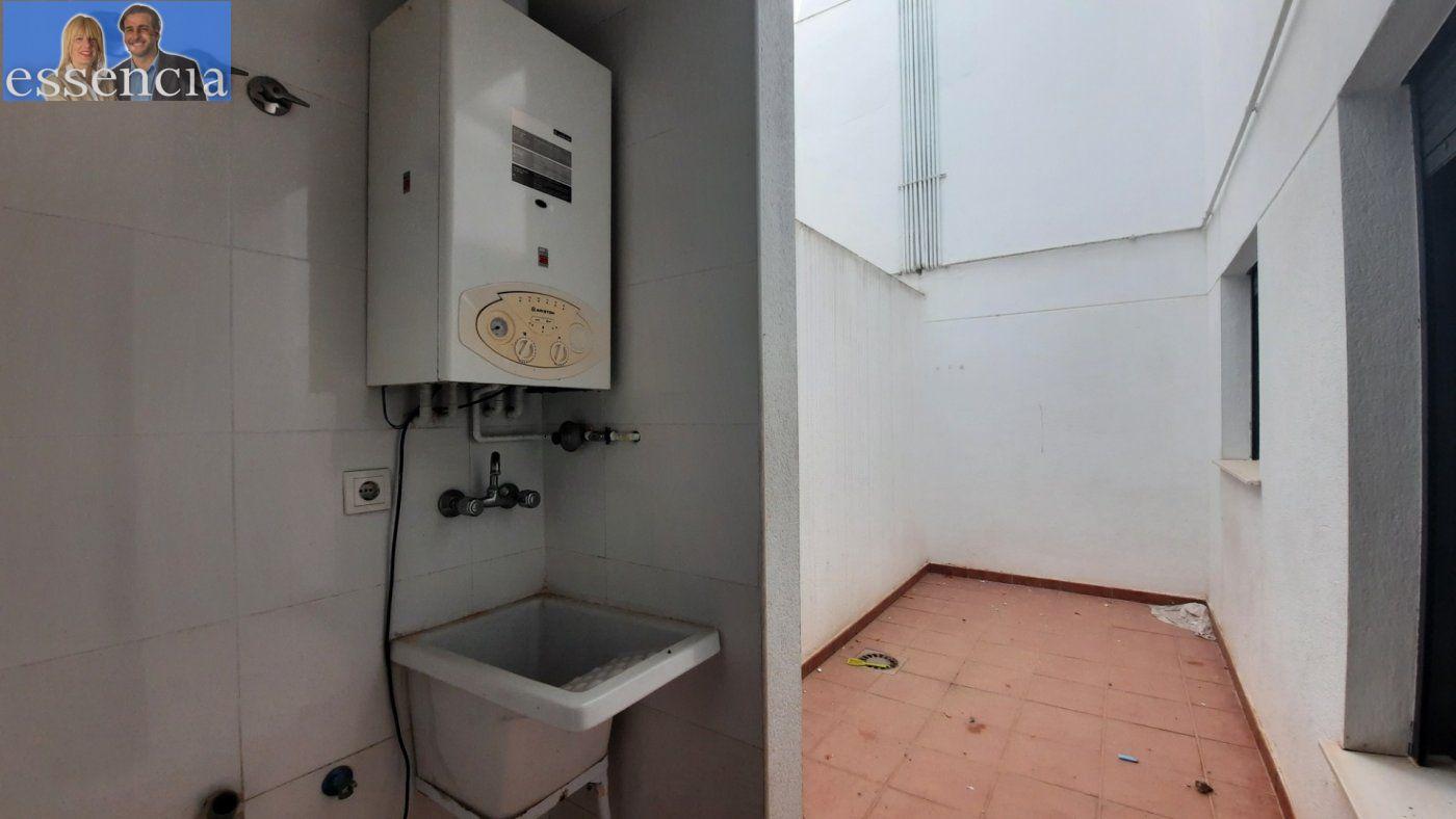 Vivienda de 3 dormitorios y dos baños con garaje , trastero y patio. - imagenInmueble7