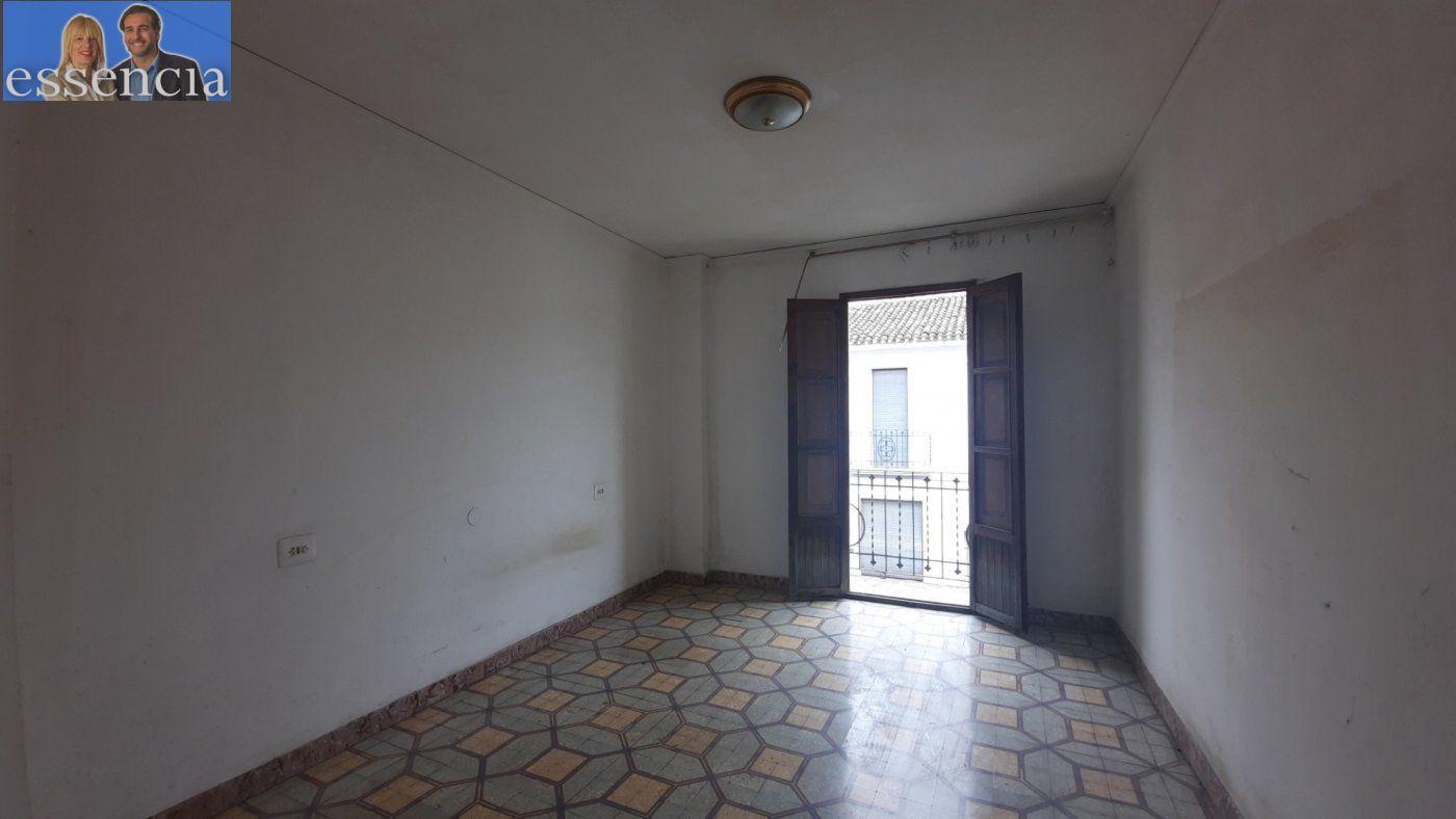Casa de pueblo en avda. pais valencia 24. en estado de origen.  amplio bajo para garaje. - imagenInmueble9