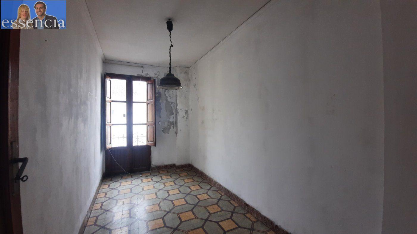 Casa de pueblo en avda. pais valencia 24. en estado de origen.  amplio bajo para garaje. - imagenInmueble10