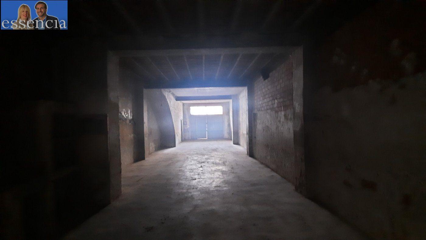 Casa de pueblo en avda. pais valencia 24. en estado de origen.  amplio bajo para garaje. - imagenInmueble2