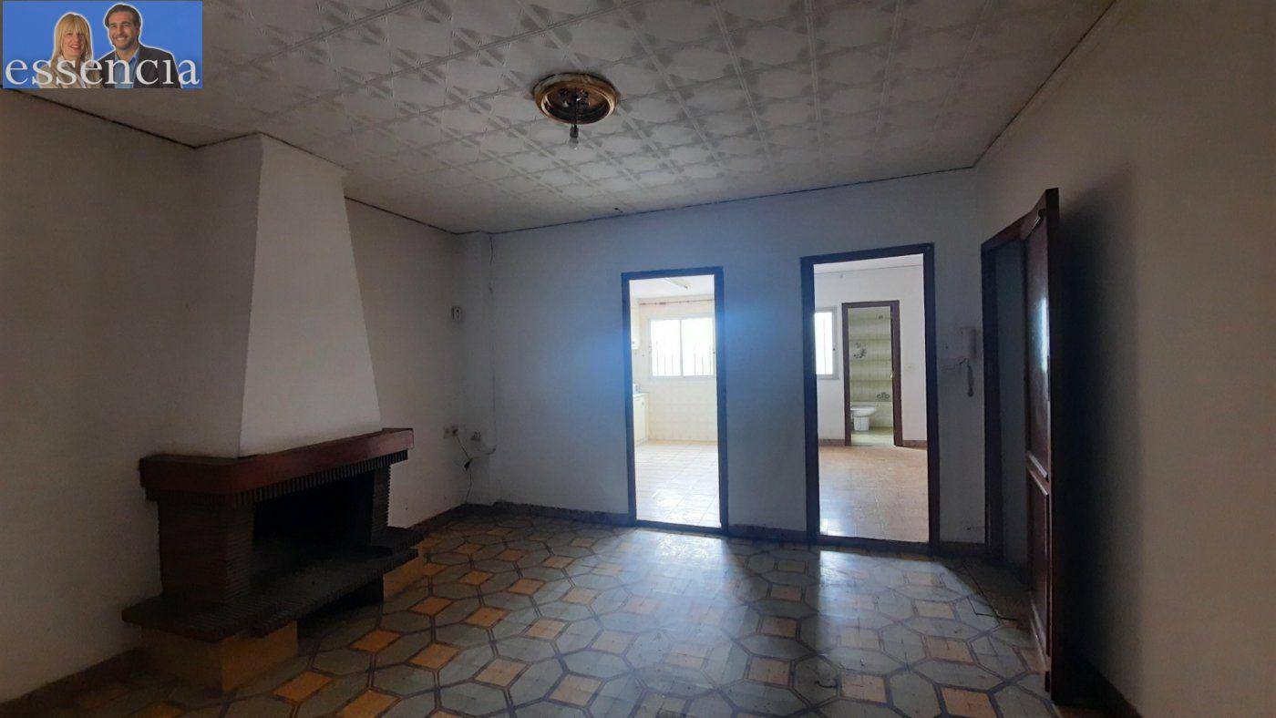Casa de pueblo en avda. pais valencia 24. en estado de origen.  amplio bajo para garaje. - imagenInmueble6