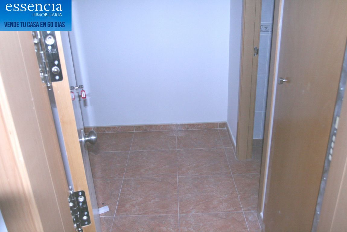 Oferta sin visitar. piso en oliva con ascensor, calle isaac albeniz - imagenInmueble23