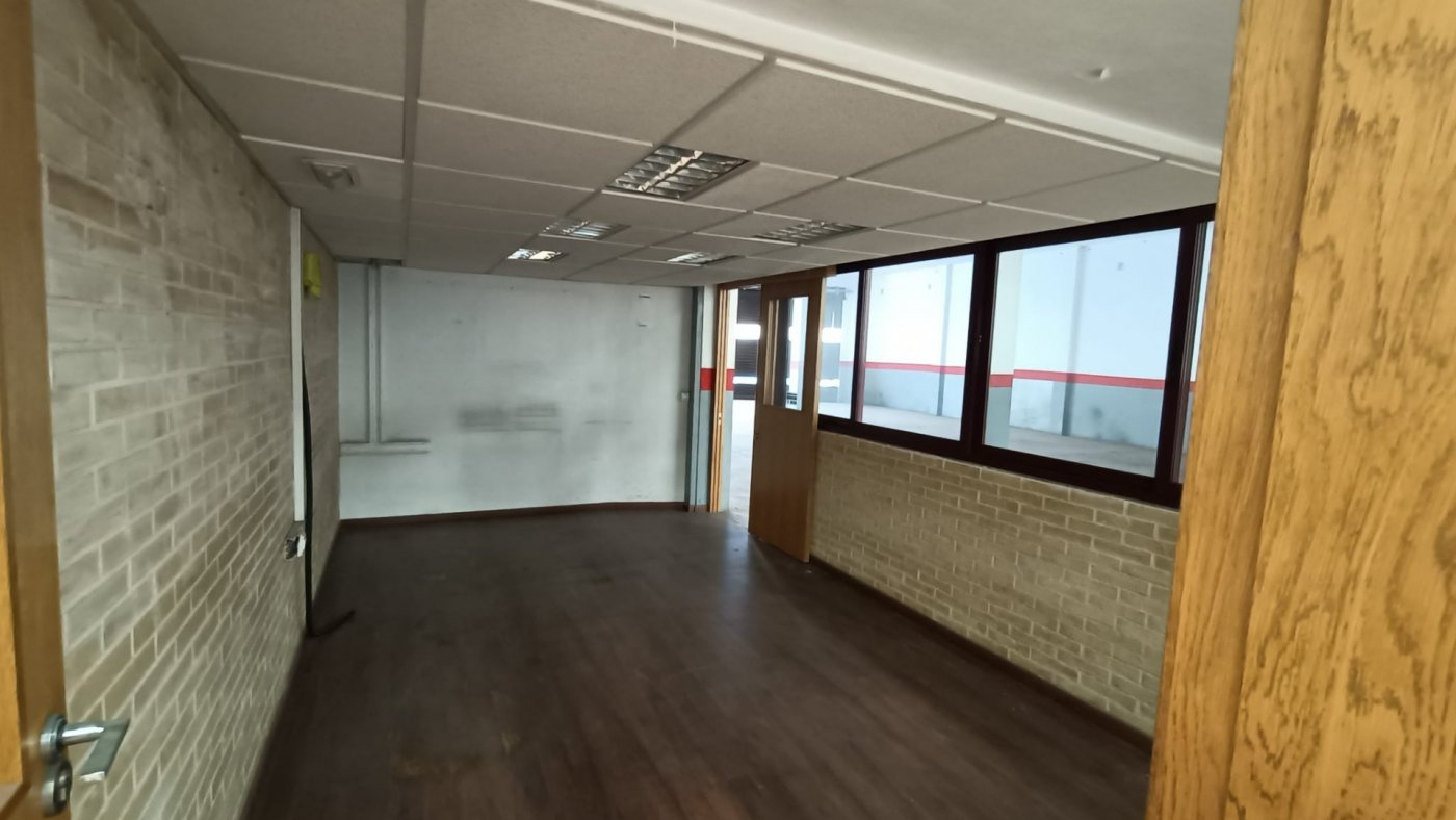 Local comercial en gandia zona benipexcart,   557 m2 - imagenInmueble3