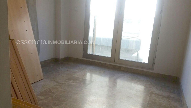 Baja el precio. precioso piso en gandia, muy céntrico y en finca del 2008. - imagenInmueble9