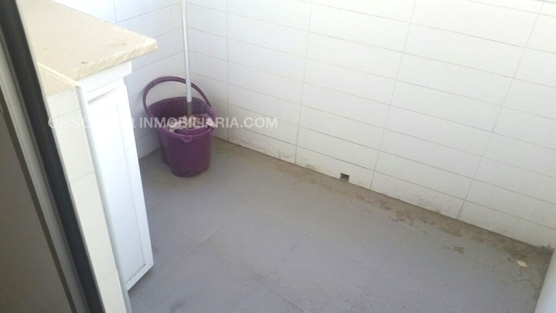Baja el precio. precioso piso en gandia, muy céntrico y en finca del 2008. - imagenInmueble13
