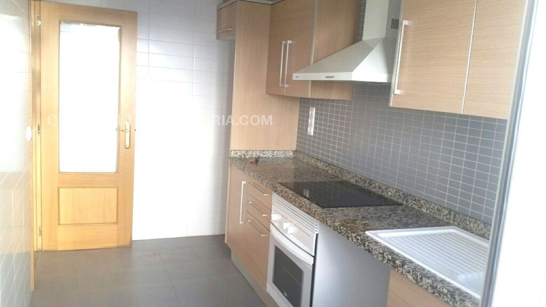 Baja el precio. precioso piso en gandia, muy céntrico y en finca del 2008. - imagenInmueble14