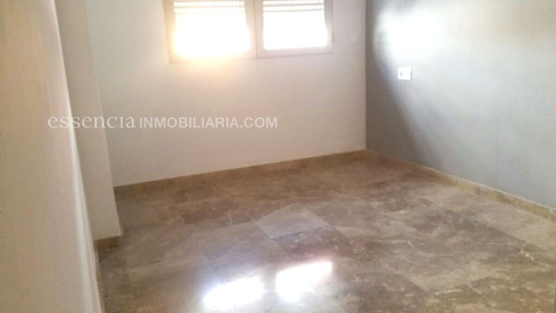 Baja el precio. precioso piso en gandia, muy céntrico y en finca del 2008. - imagenInmueble6
