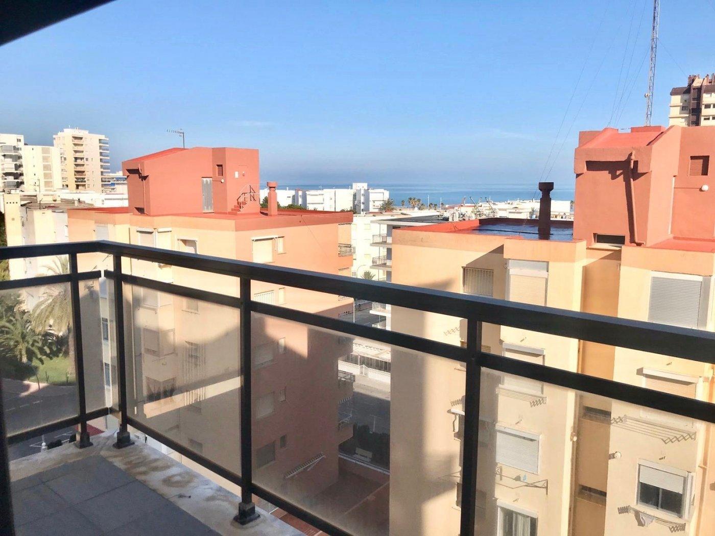 Apartamento en playa de gandia con piscina comunitaria y garaje incluido - imagenInmueble0