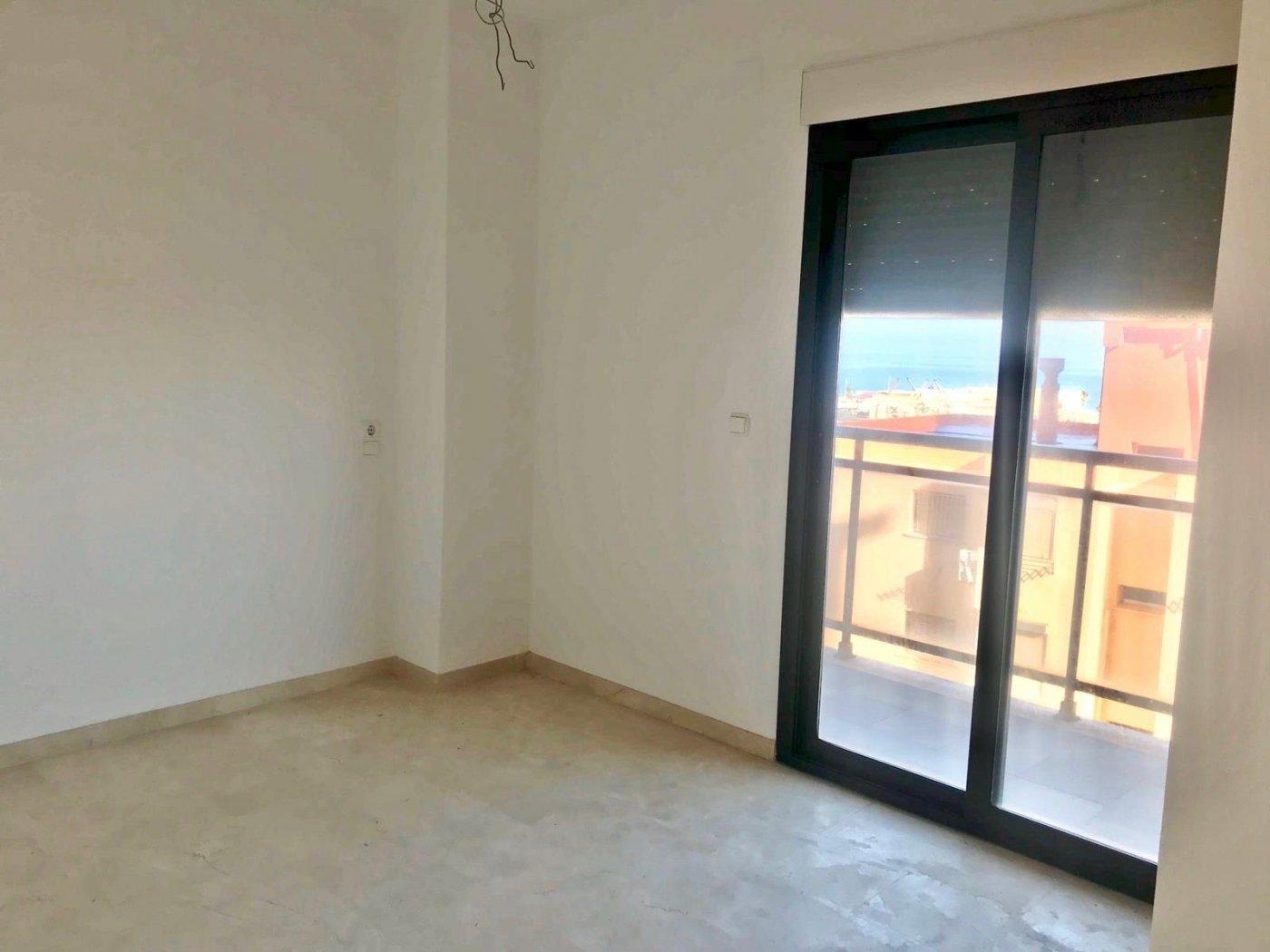 Apartamento en playa de gandia con piscina comunitaria y garaje incluido - imagenInmueble28