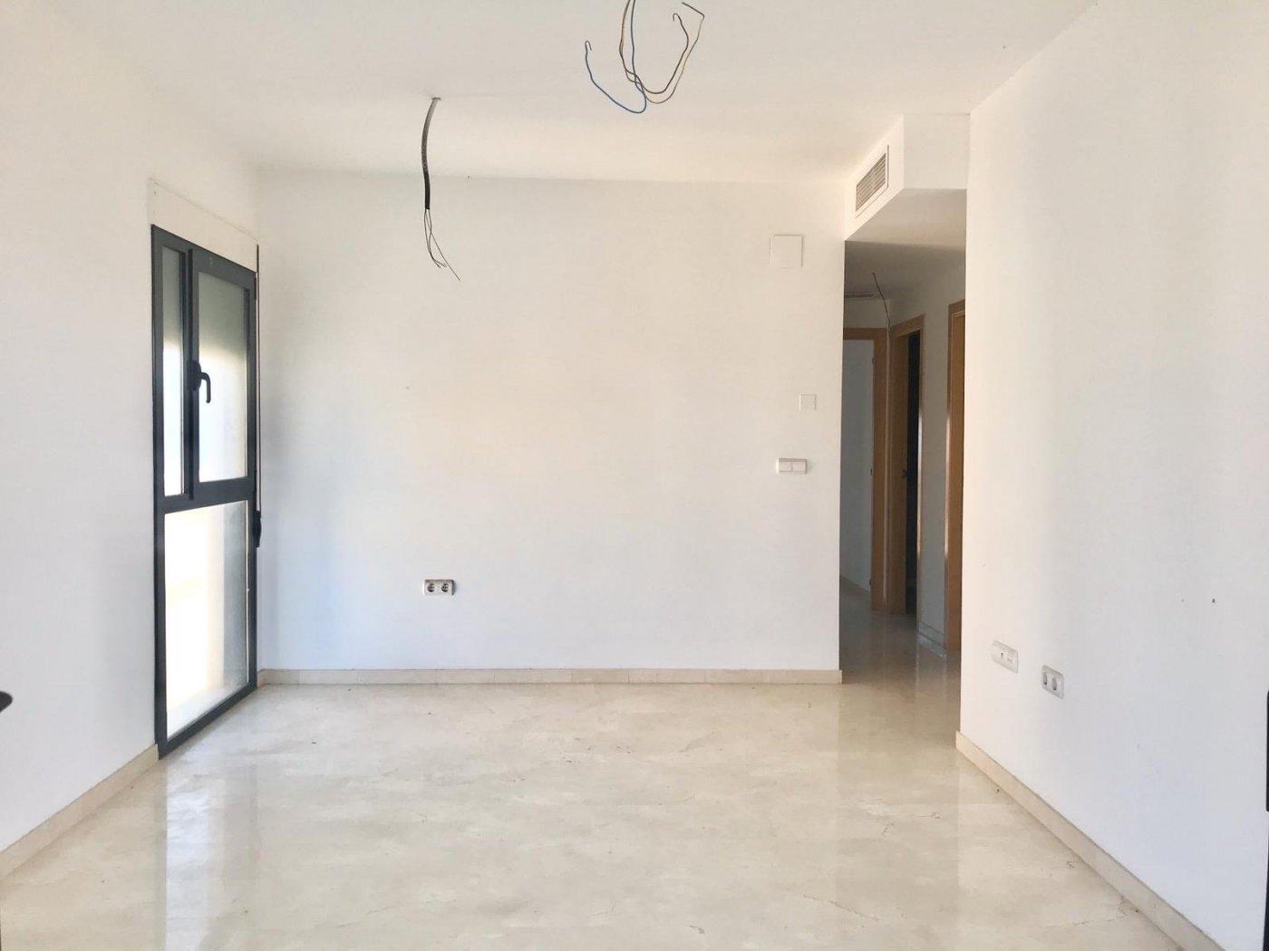 Apartamento en playa de gandia con piscina comunitaria y garaje incluido - imagenInmueble4