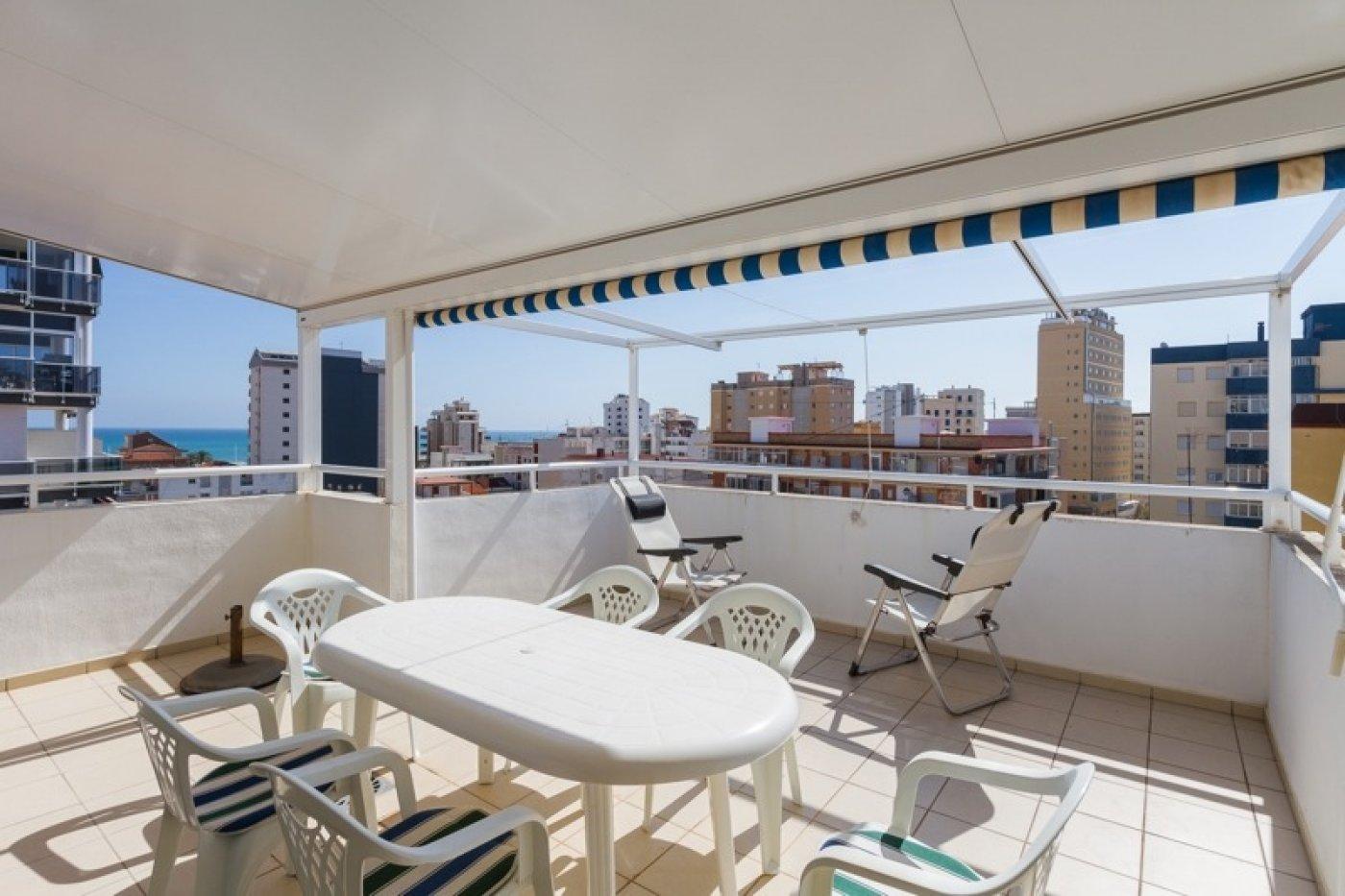 Atico con un espectacular terraza para disfrutar todo el aÑo a dos minutos del mar - imagenInmueble25