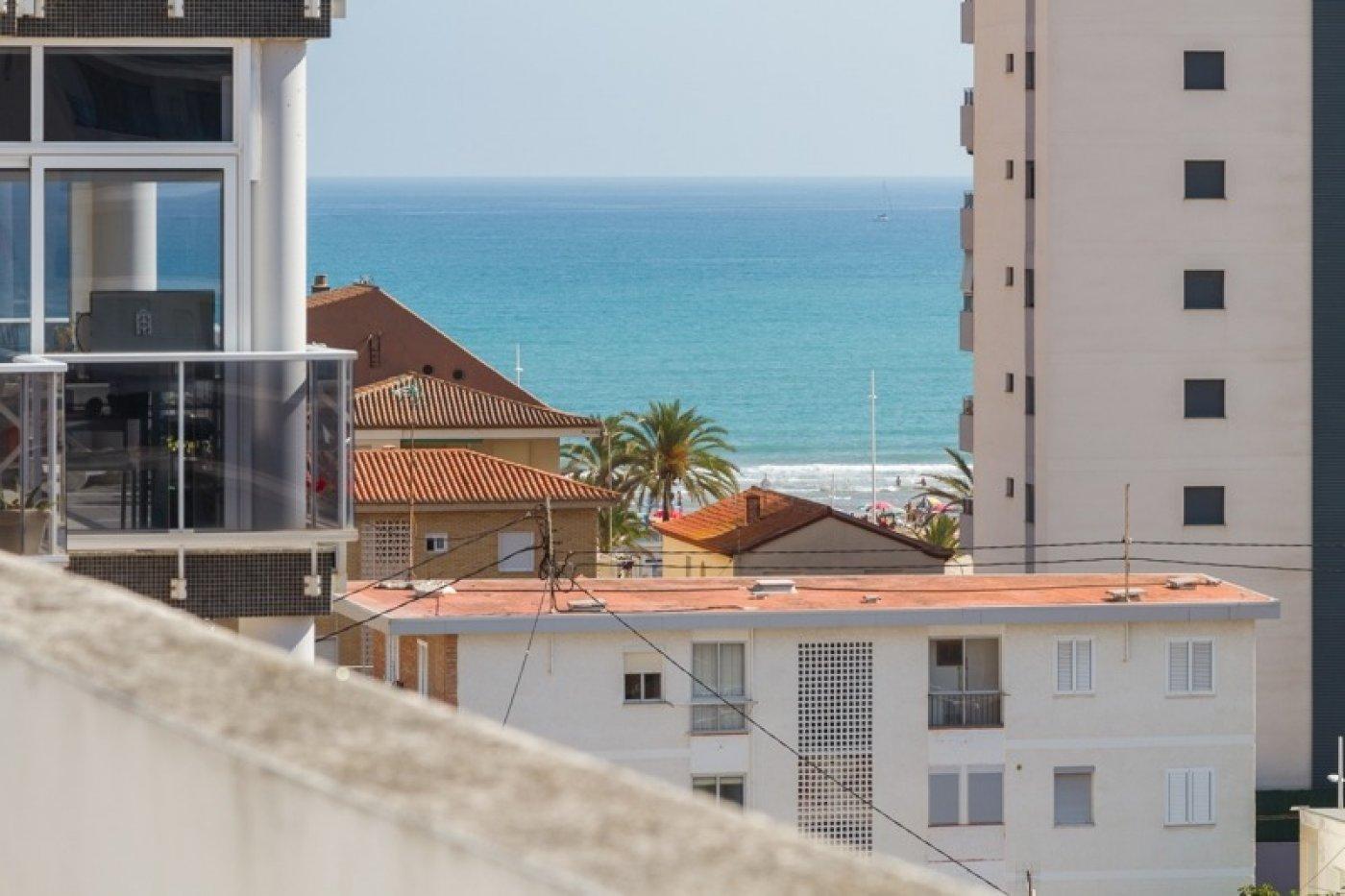 Atico con un espectacular terraza para disfrutar todo el aÑo a dos minutos del mar - imagenInmueble29