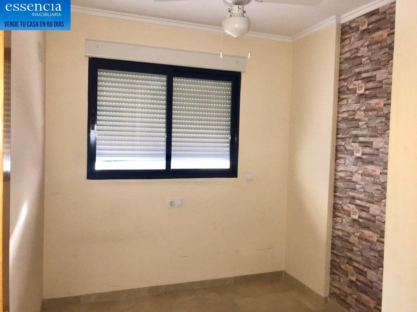 Apartamento de 2 dormitorios y 2 baños con salón con balcón. - imagenInmueble10