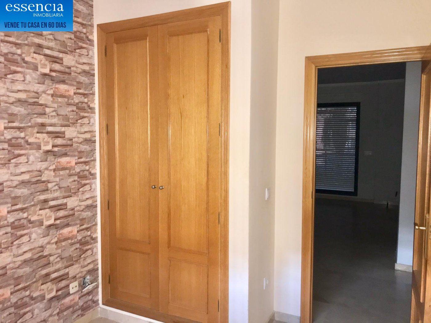 Apartamento de 2 dormitorios y 2 baños con salón con balcón. - imagenInmueble11