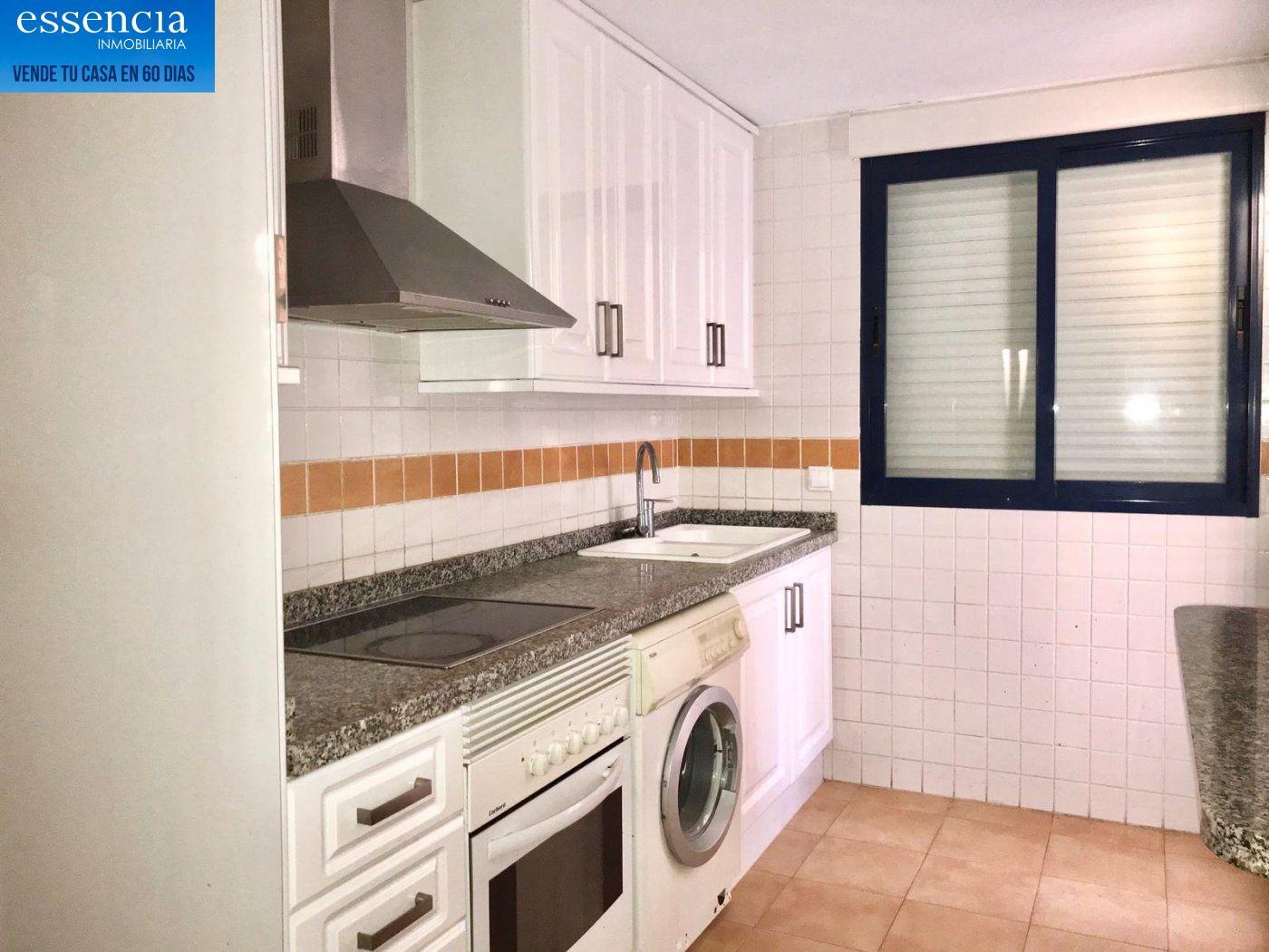 Apartamento de 2 dormitorios y 2 baños con salón con balcón. - imagenInmueble4