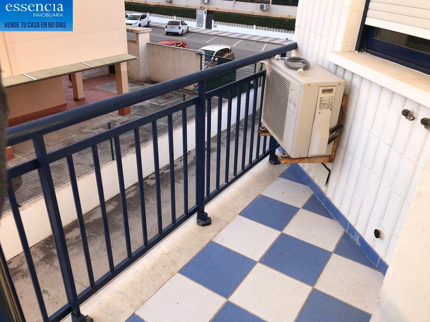 Apartamento de 2 dormitorios y 2 baños con salón con balcón. - imagenInmueble5