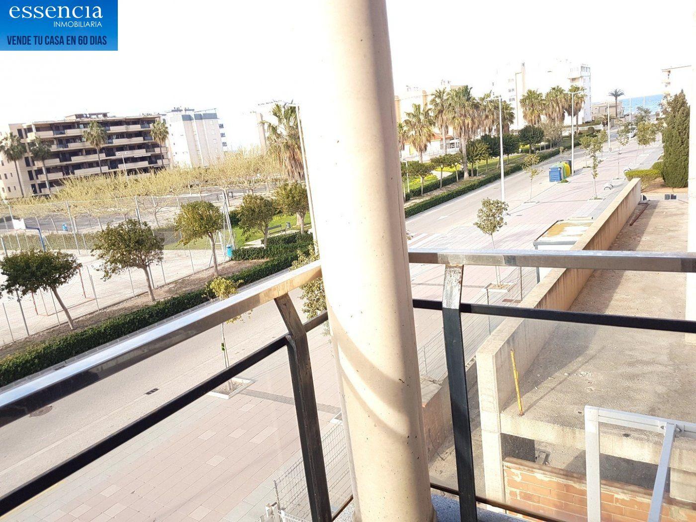 Apartamento con vistas al mar en playa de bellreguard.  garaje y piscina. - imagenInmueble30