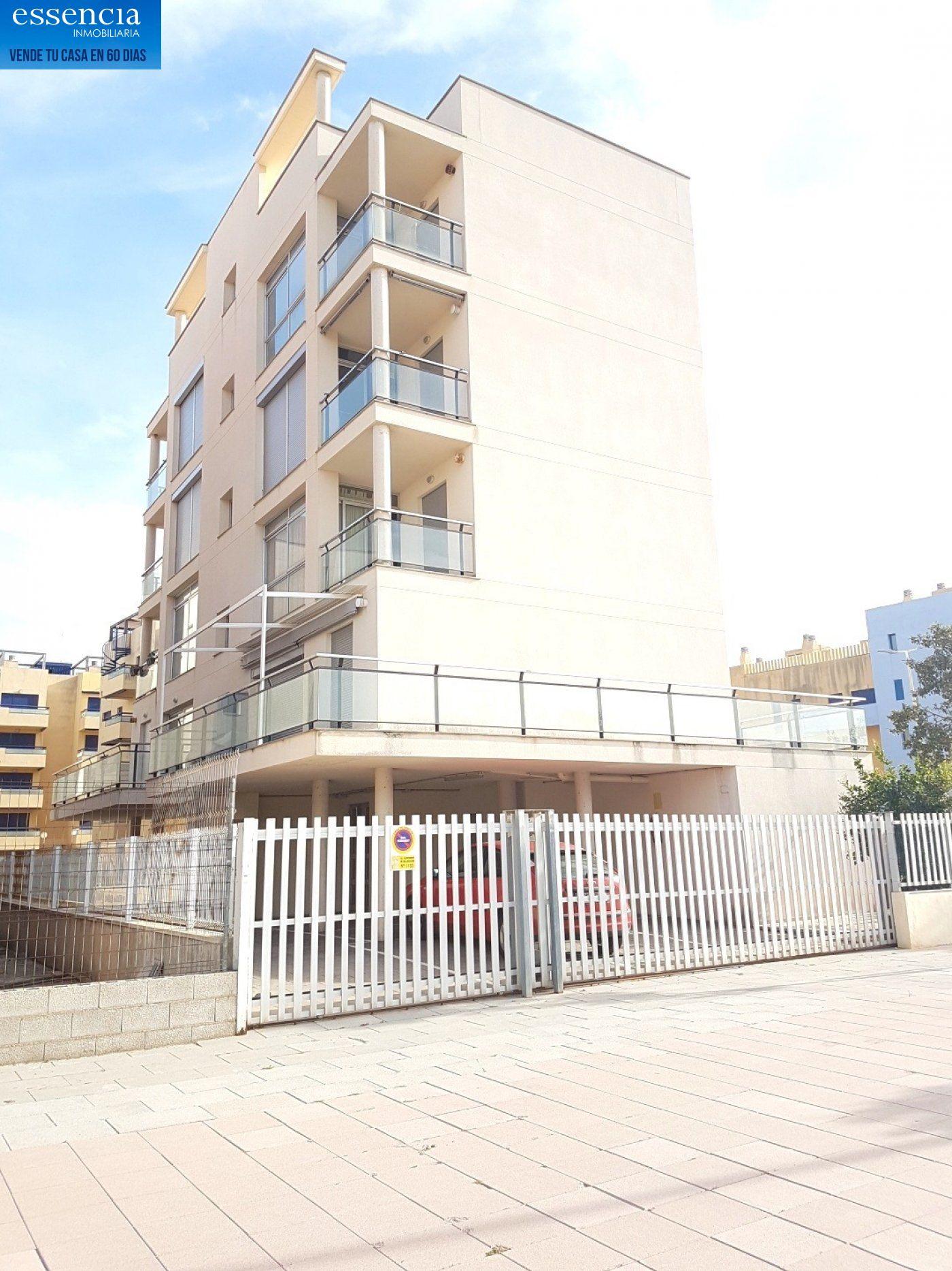 Apartamento con vistas al mar en playa de bellreguard.  garaje y piscina. - imagenInmueble5