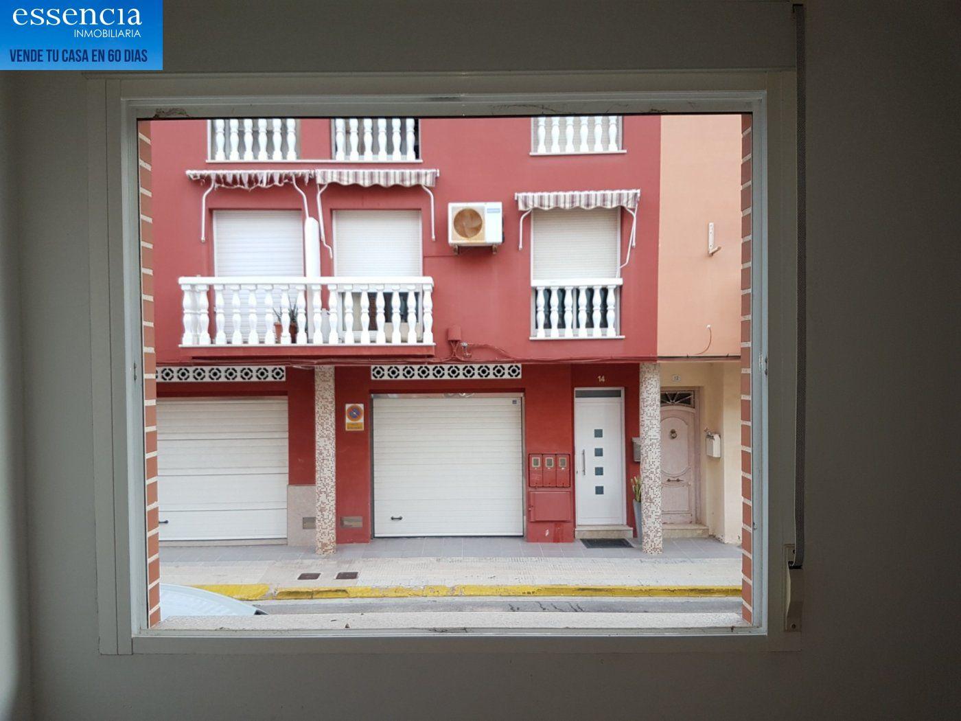Piso en entresuelo de 2 dormitorios y 1 baño con patio - imagenInmueble19