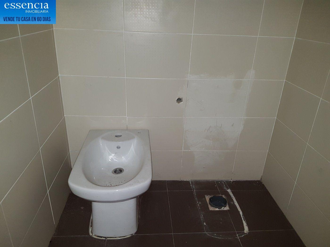 Piso en entresuelo de 2 dormitorios y 1 baño con patio - imagenInmueble24