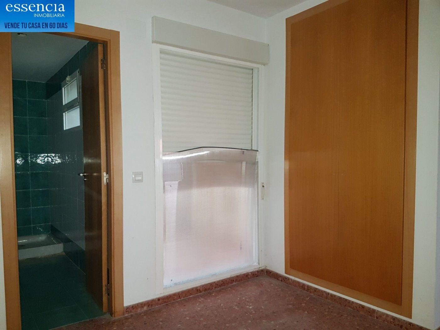 Piso en entresuelo de 2 dormitorios y 1 baño con patio - imagenInmueble27