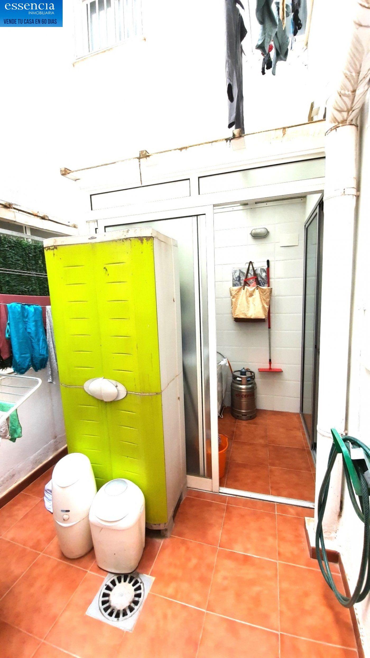 Preciosa vivienda con terraza para entrar a vivir en gandia zona corea. - imagenInmueble8