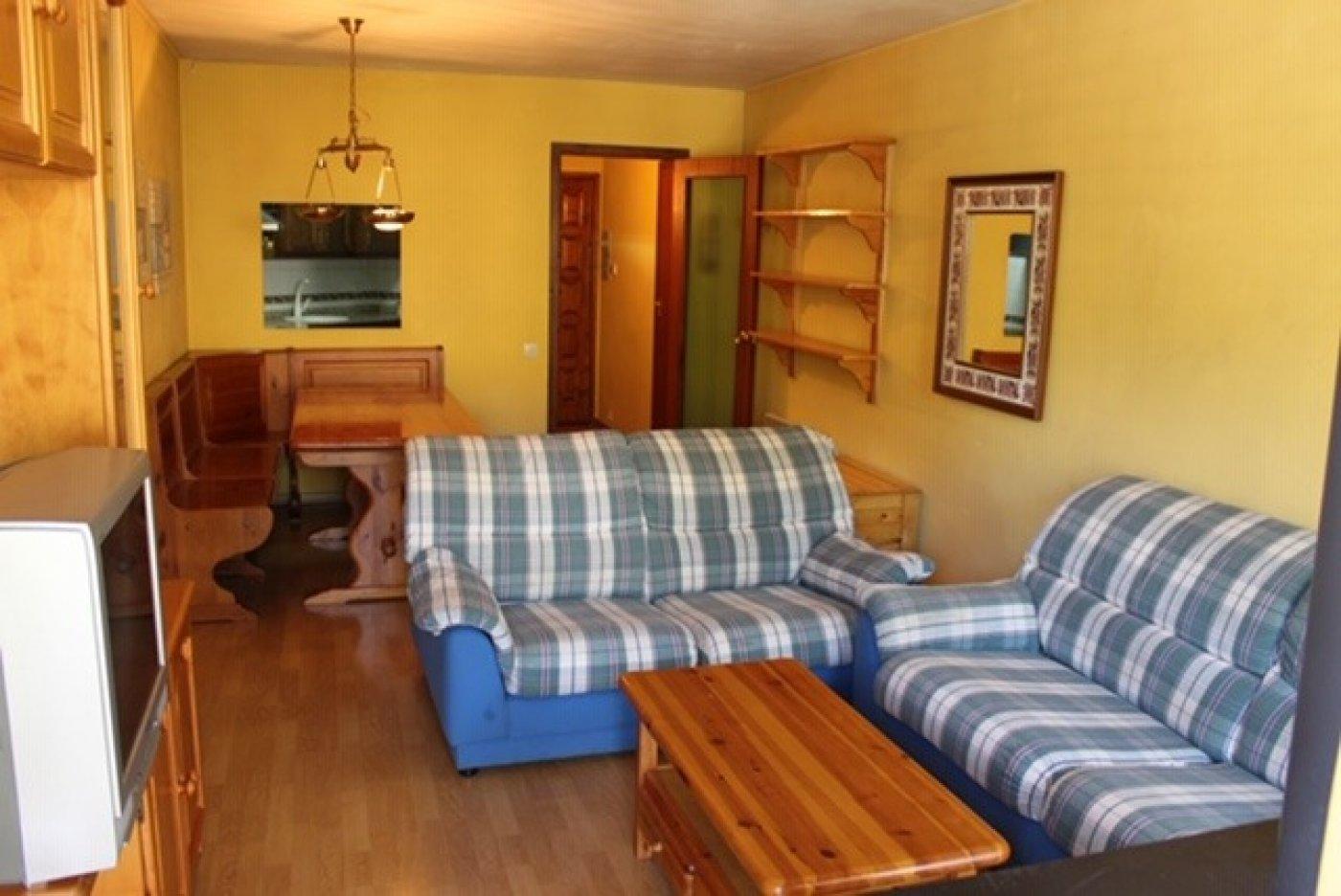 apartamento en la-coma-i-la-pedra · port-del-comte 88000€