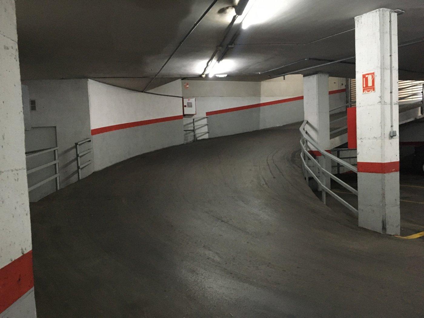 plaza de aparcamiento en venta en pleno centro de manresa