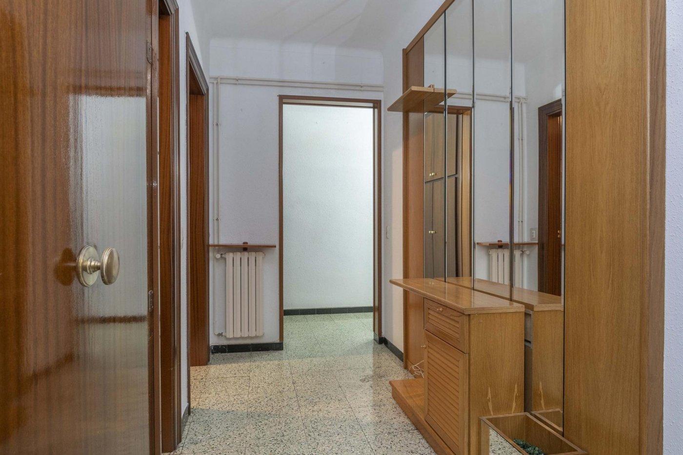 piso en venta en manresa finca con ascensor