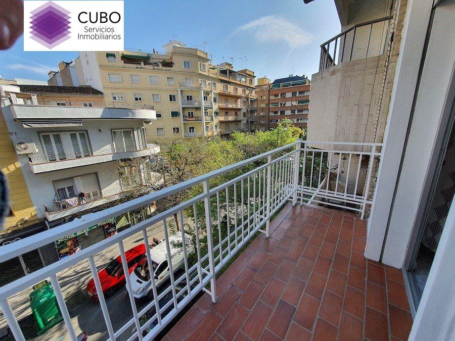 Piso en alquiler en Alhamar, Granada