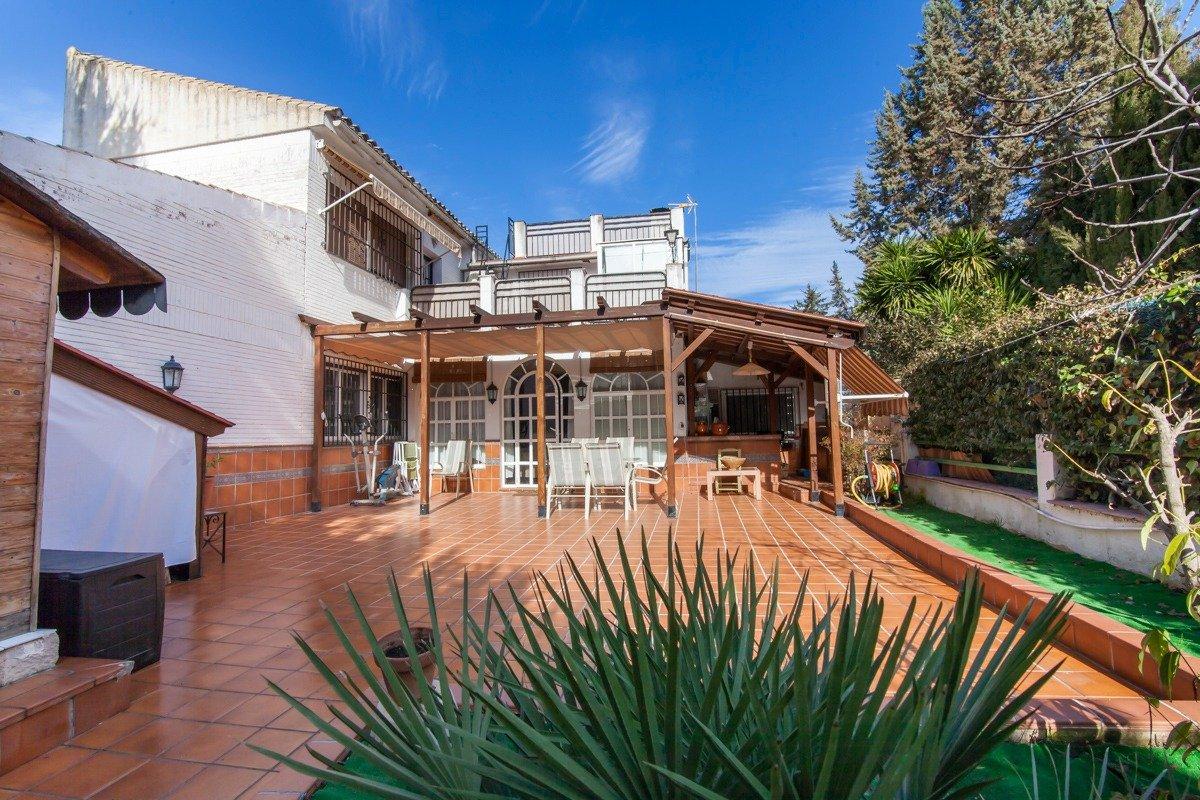 Urb. Parque del Cubillas. Vivienda ideal para vivir, Granada