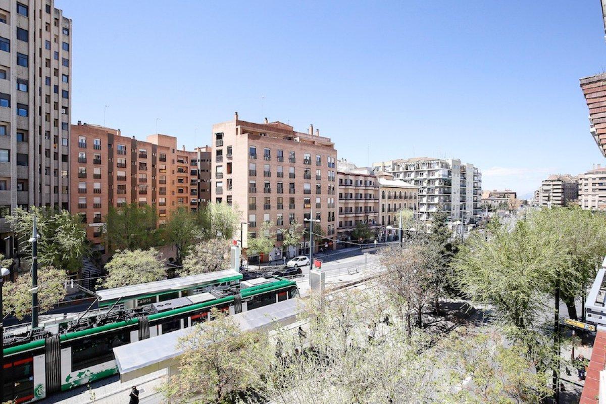 Av. Constitución. Reformado. Calefacción central. Garaje doble. Mucho sol., Granada