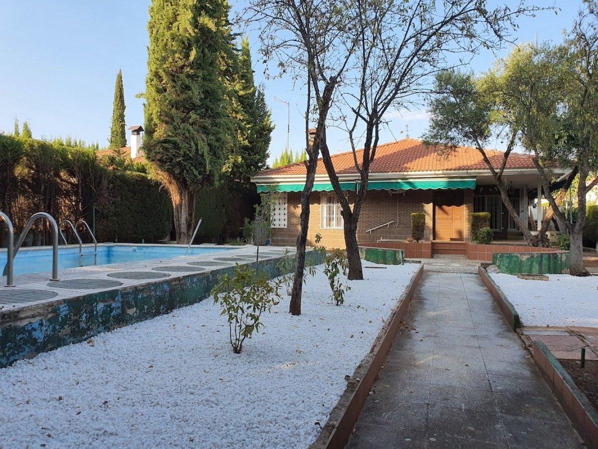 Urbanización privada. Vivienda en una planta, Granada