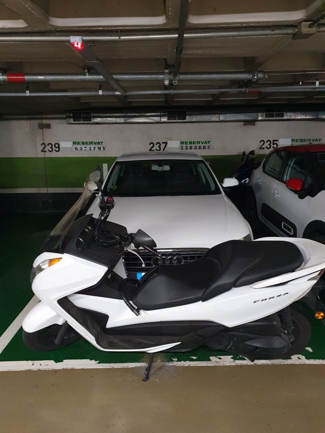 Parking en Barcelona. Les Corts (DV-157)