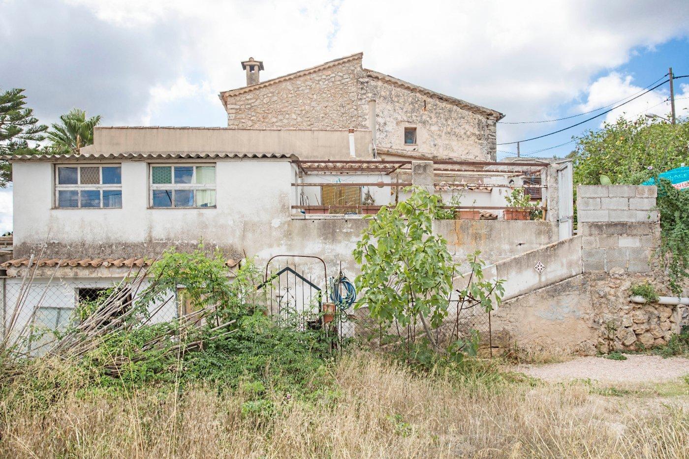 Casa tradicional mallorquina para reformar en capdella