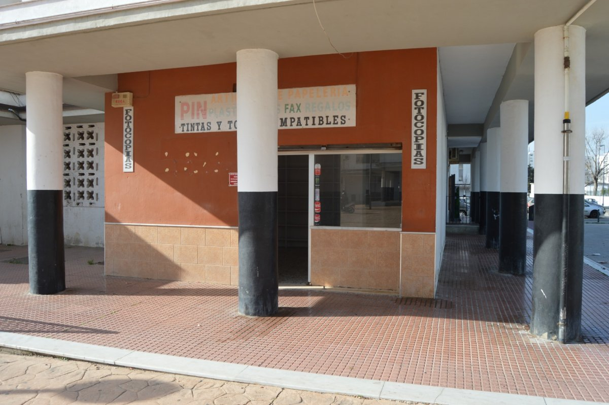 local-comercial en jerez-de-la-frontera · marianistas 275€