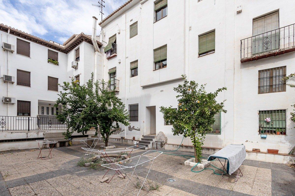 EDIFICIO A UN PASO DEL ARCO DE ELVIRA, Granada