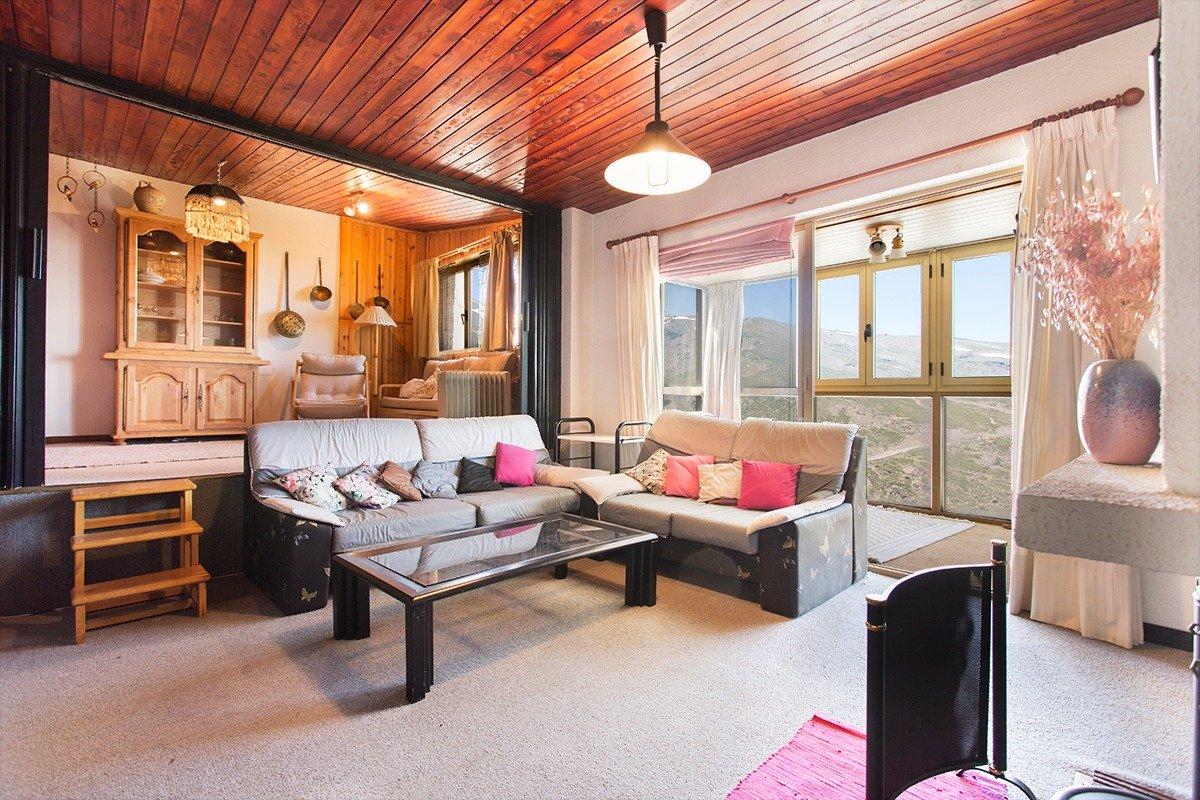 Bonito y amplio apartamento con cochera y trastero en Sierra Nevada, Granada
