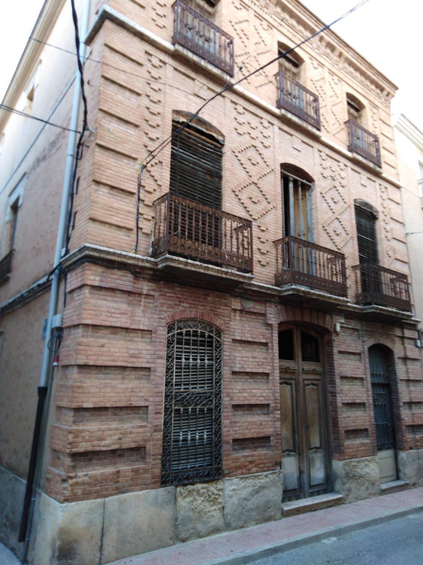 maison-de-ville en caudete · centro 403000€