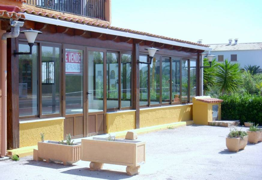 local-commercial en els-poblets · els-poblets 155000€