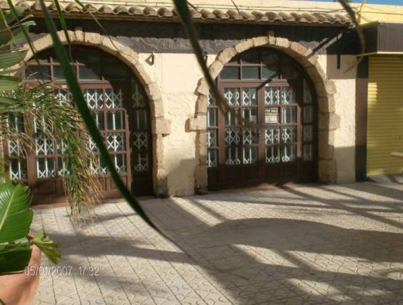 local-commercial en calpe · playa-de-levante 250000€