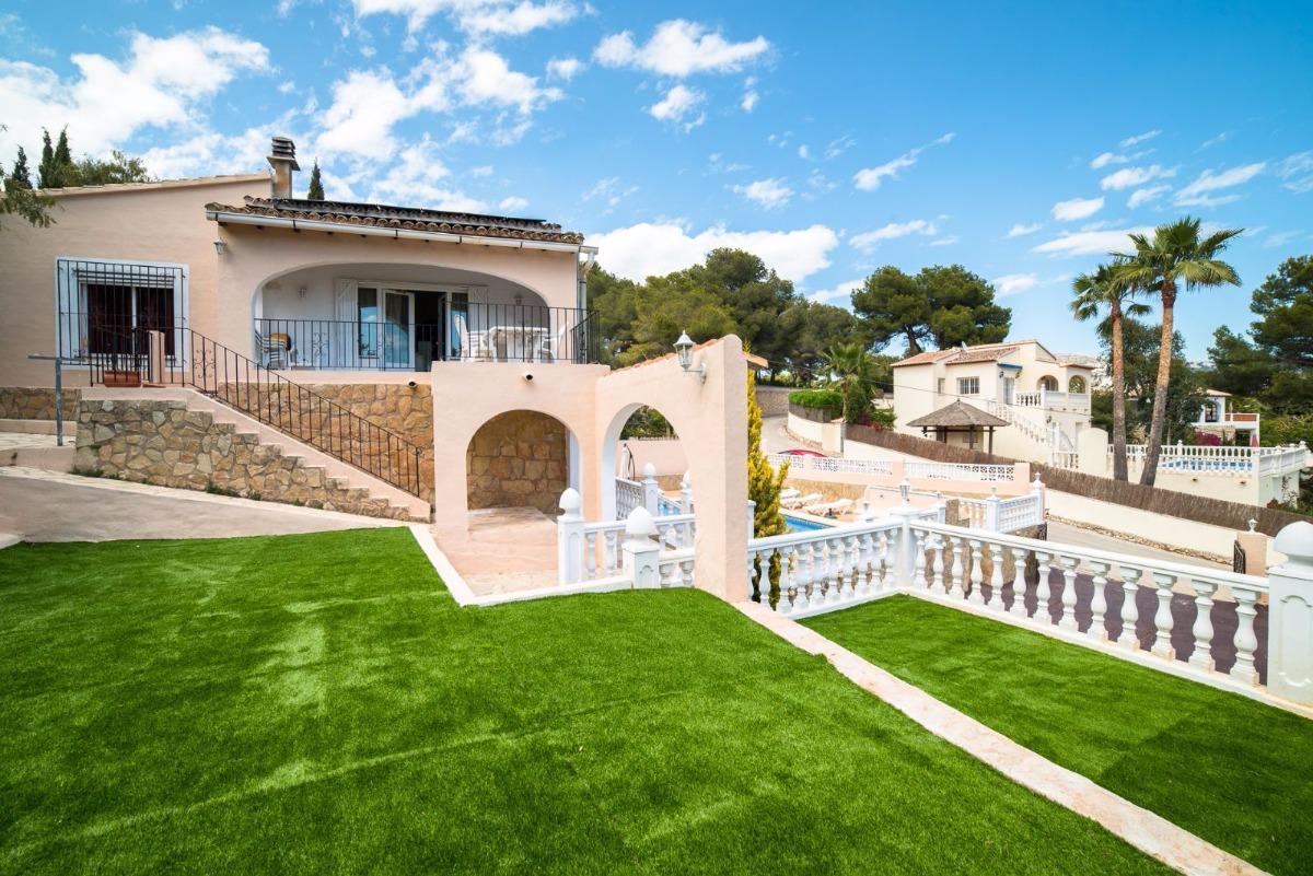 villa en moraira · camarrocha 450000€