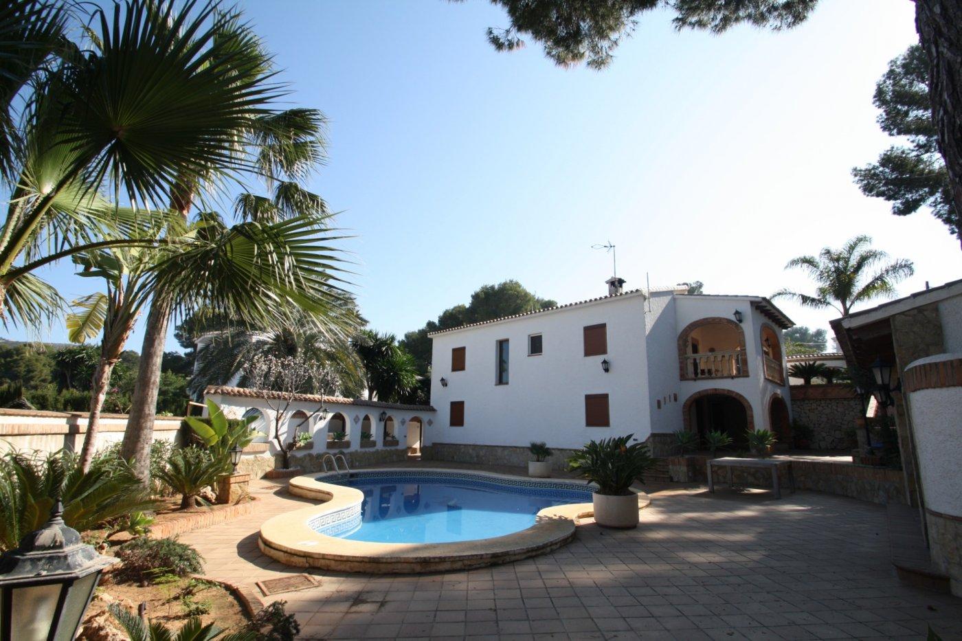 villa en moraira · pla-del-mar 880000€