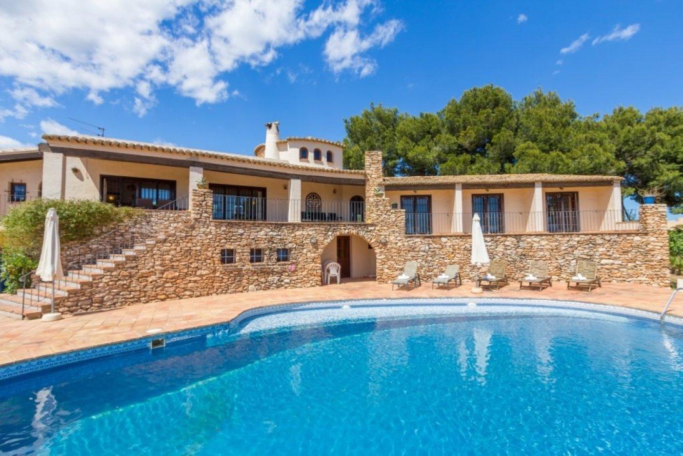 villa en calpe · basetes 2999000€