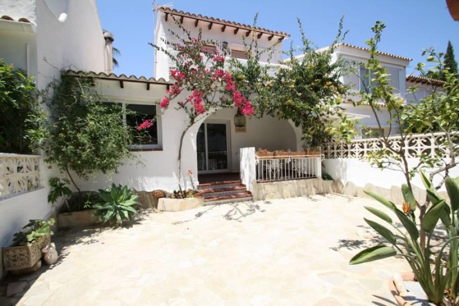 bungalow en moraira · portet 750€
