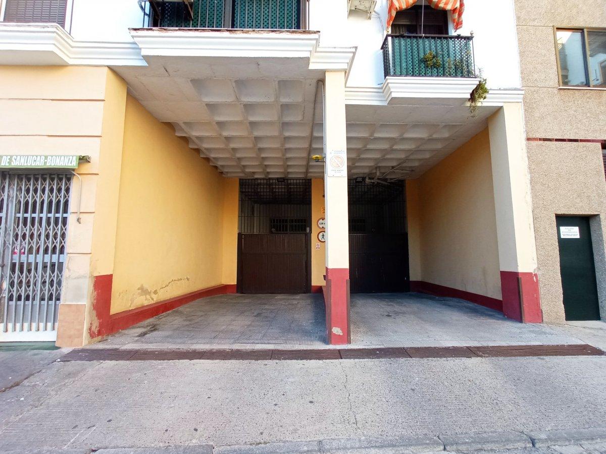 garaje en jerez-de-la-frontera · avenida 25000€