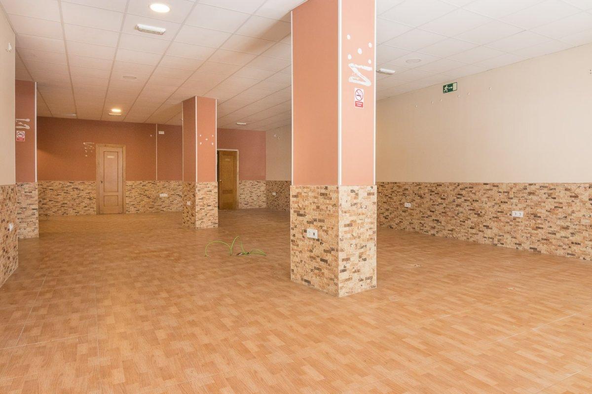 local-comercial en jerez-de-la-frontera · centro 1400€